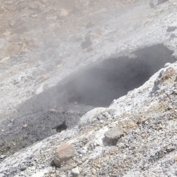 Fumaroles at Emerald Lakes